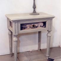 Table Chevet COQUILLAGES/ 3 Faces décorées de Coquillages