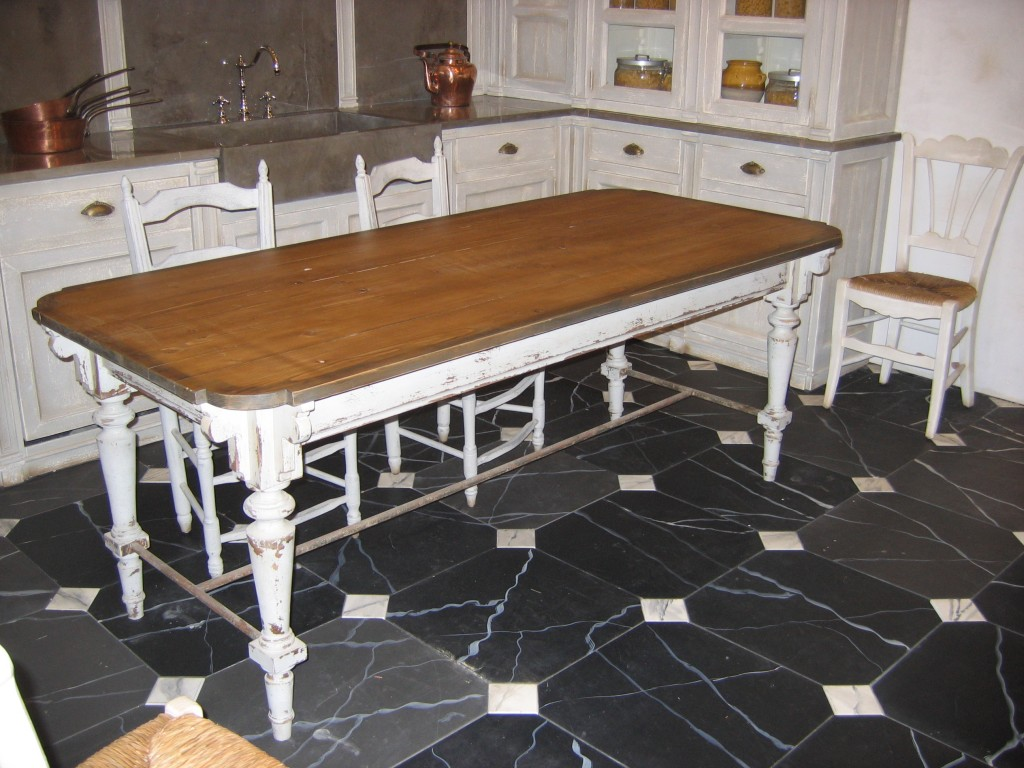 Table mere brasier plateau mel ze cir pi tement - Table cuisine pin massif ...
