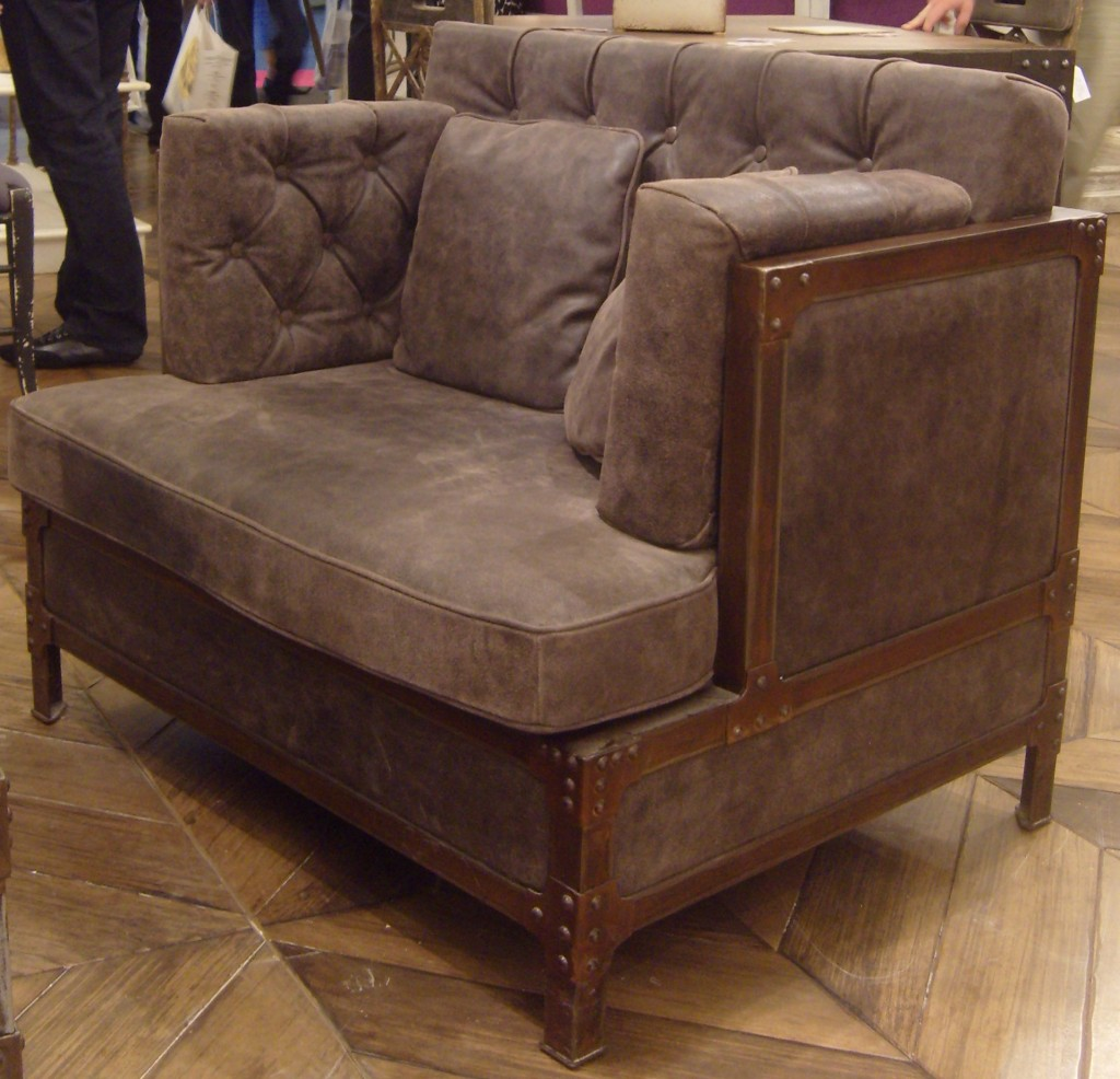 fauteuil large eiffel structure m tal patin fa on rouille rivet 100 x 75 x 70 cuir peau. Black Bedroom Furniture Sets. Home Design Ideas