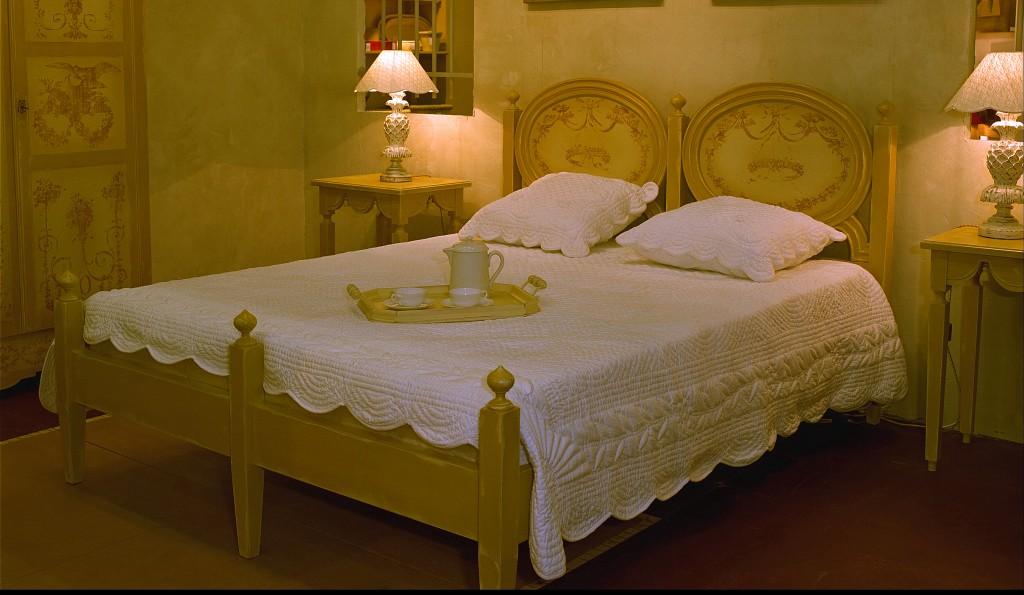 lit fado couchage 160 structure patin e et d cor de toile de jouy en m daillon provence et. Black Bedroom Furniture Sets. Home Design Ideas
