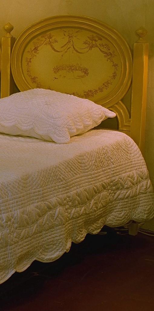 lits et t tes de lits provence et fils part 4. Black Bedroom Furniture Sets. Home Design Ideas