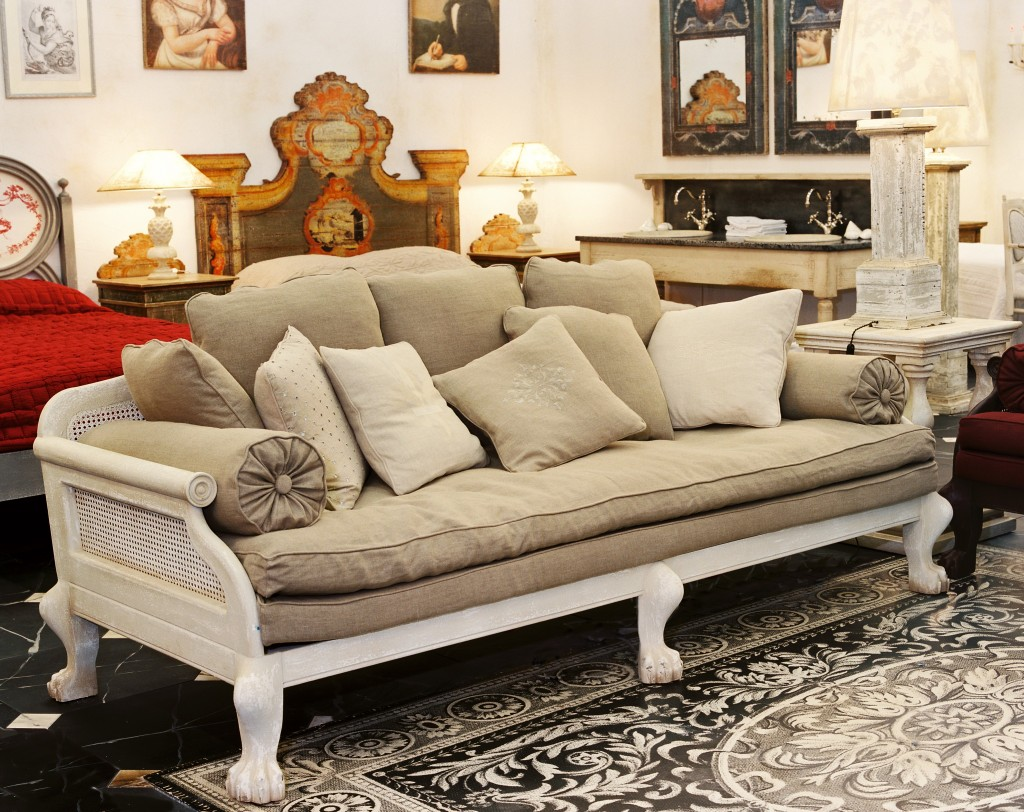 Sofa pondichery petit modele 200 cm structure hetre for Couch 200 cm