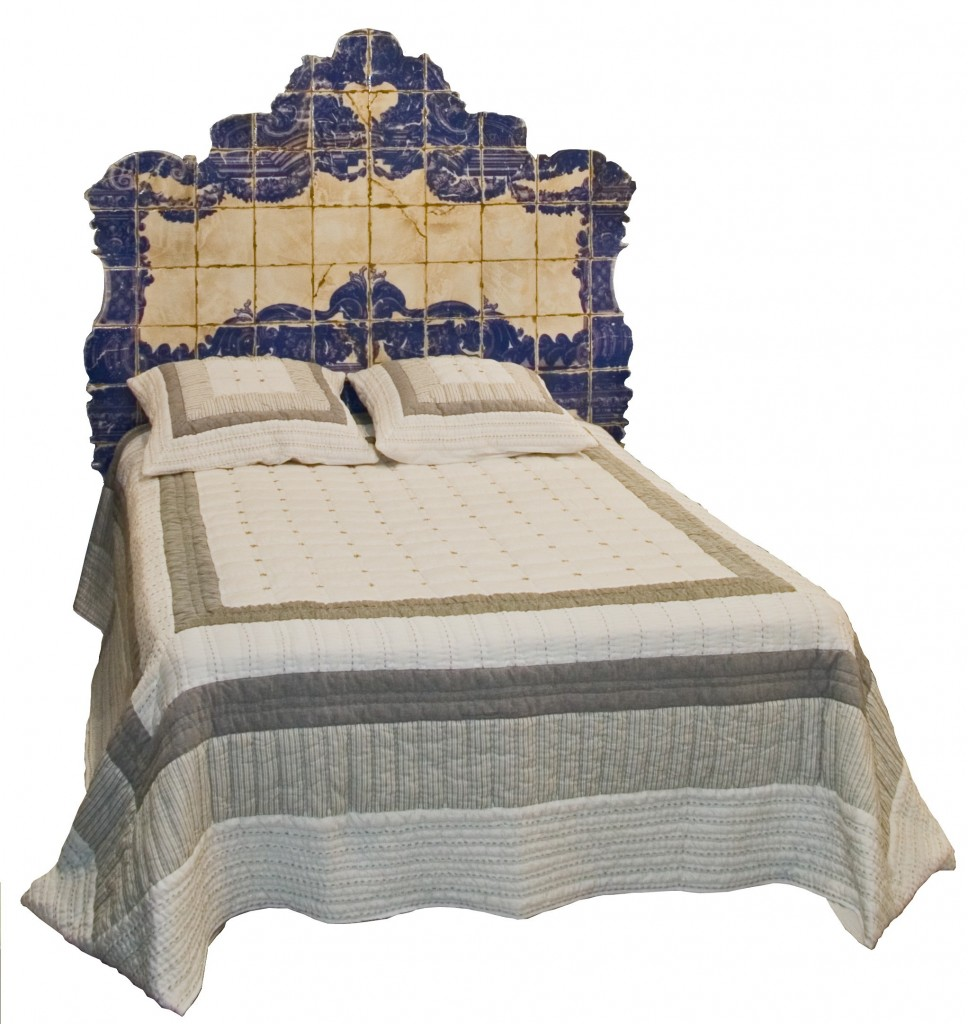 t te de lit azulejos couchage 140 motifs imitation azulejos provence et fils. Black Bedroom Furniture Sets. Home Design Ideas